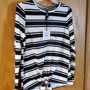Agnes Dora long sleeve tie front tee Large